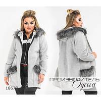 Пальто женское 847 декорировано мехом R-18678 светло-серый