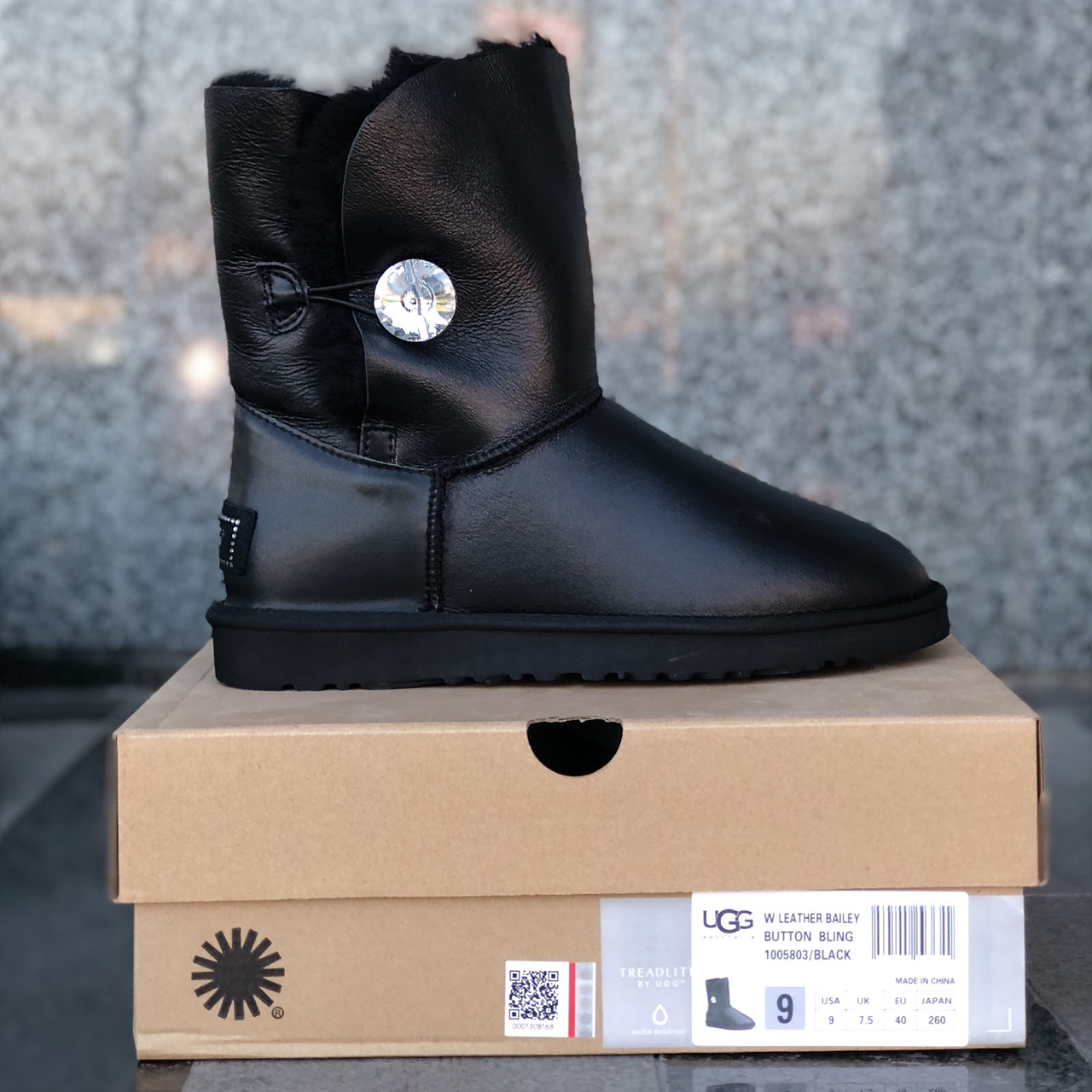 Натуральные угги UGG Australia (Реплика ААА+) Bailey Button Black Leather  Jewel. Model  5803 02742cf4952