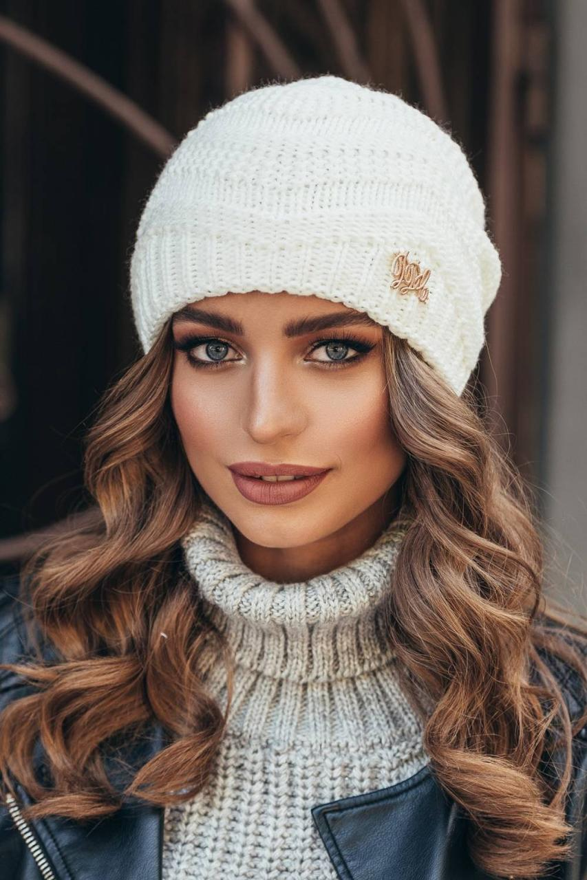 красивая вязаная шапка крупным объемным узором универсальный размер
