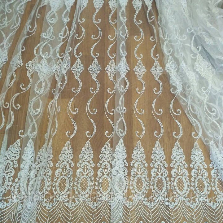 Тюль белая в зал, фатин с шениловой вышивкой