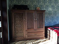 Комод,шкаф (деревянный)