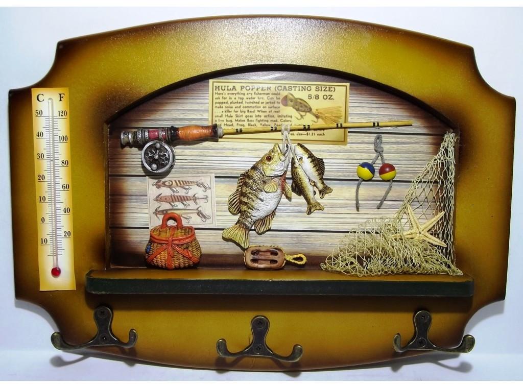 Ключница с градусником деревянная на 6 крючков  23*32см
