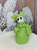 Рождественское мыльце нежная хрюша с розой в лапках. Вес 130 г. Нужный подарок хозяйке в сочельник