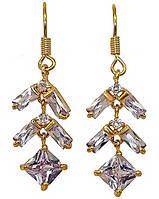 Серьги (Замок: петля).Камень: фиолетовый циркон .Позолота с лимонным оттен. Высота серьги: 4см. Ширина: 11мм