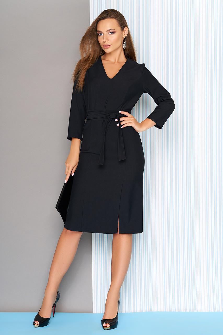 Деловое платье с поясом и разрезом 44-50р черное