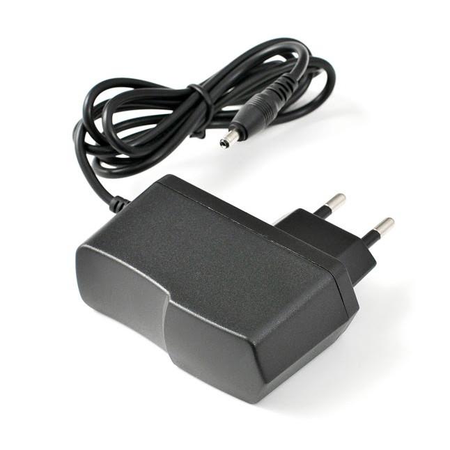 Зарядное устройство CH-825(2A)