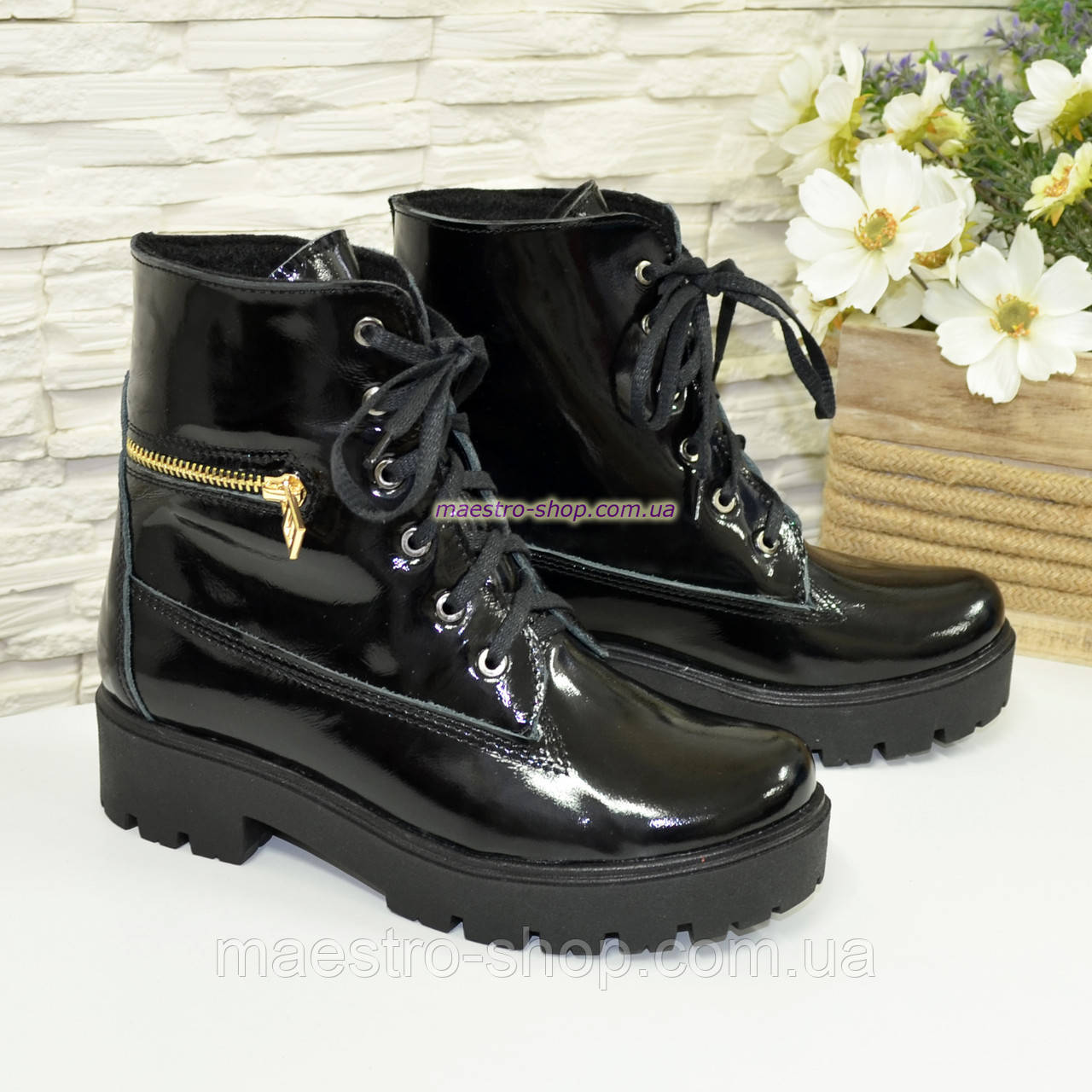 Ботинки женские зимние лаковые на шнуровке, подошва утолщенная