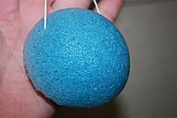 Губка Konjac конняку голубая для умывания, мягкого пиллинга и массажа