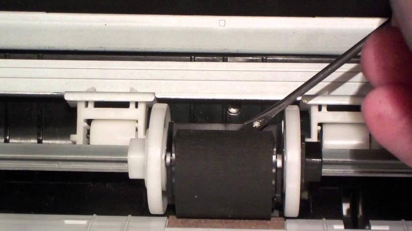 Замена ролика захвата бумаги впринтере и МФУ, фото 2