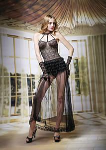 Кружевной комплект с ночным платьем S/M