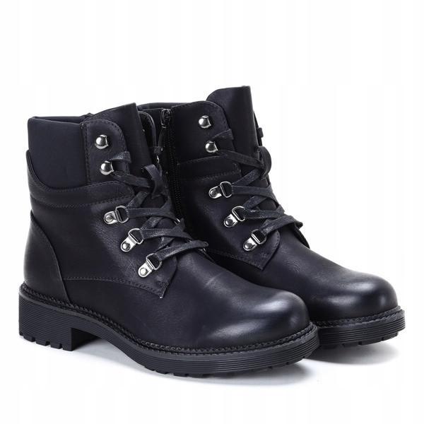 Удобные на широкой подошве демисезонные ботинки