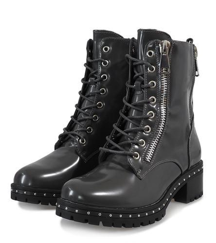 Стильные лакированные ботинки - берцы женские