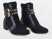 Демисезонные женские ботинки с золотистыми пряжками , фото 1