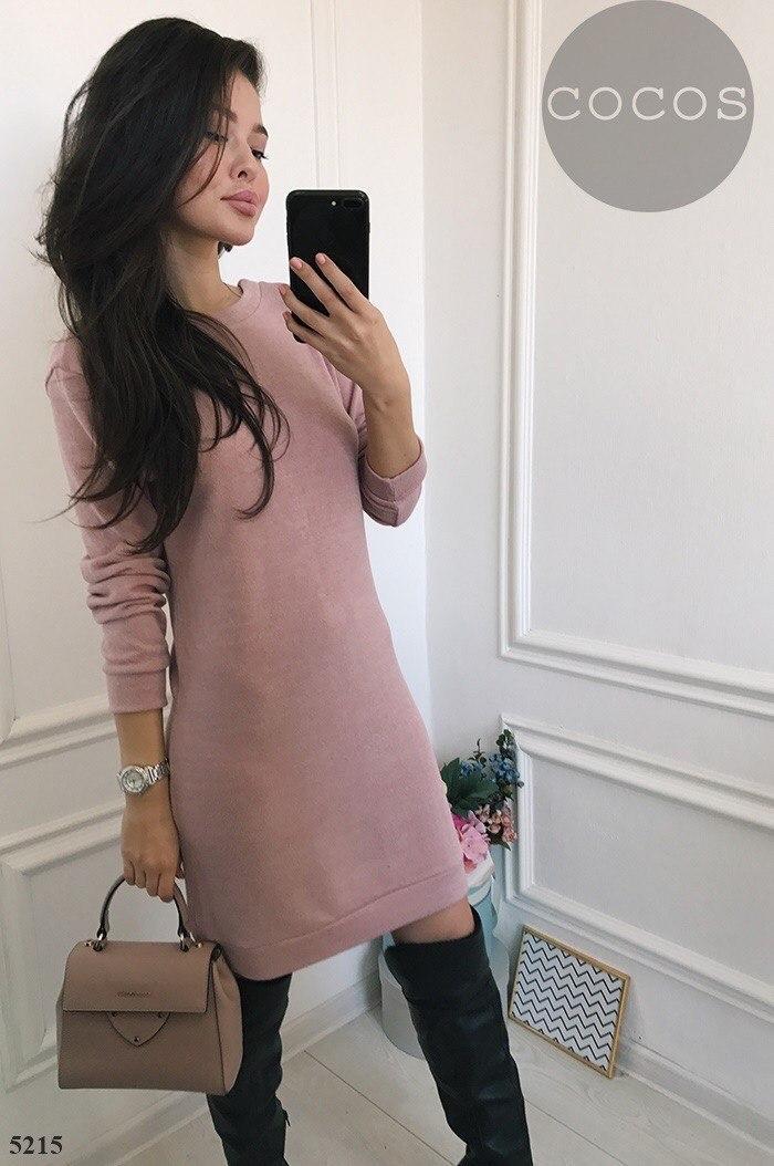Стильное ангоровое платье с кружевом
