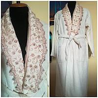 Женский махровый халат с кружевом