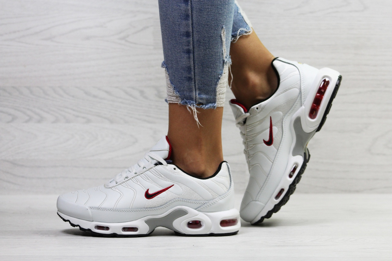 Зимние женские кроссовки Nike Air Max Tn белые топ реплика - Интернет- магазин обуви и b1e33b57f29