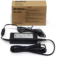 YAMAHA PA300 Адаптер питания 220 B(AC) - 16 В(DC), 2400 мA
