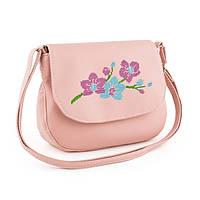 Нежная сумочка на плечо с цветочной вышивкой
