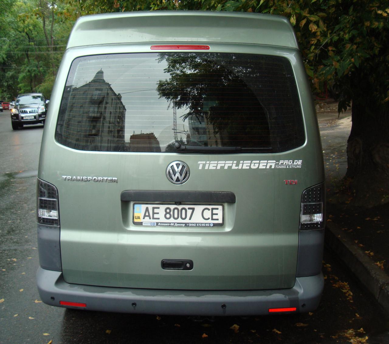 Стопы фонари тюнинг оптика Volkswagen T5 черные Led (ляда)