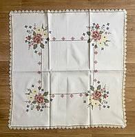 Столешница льняная  с вышивкой крестиком