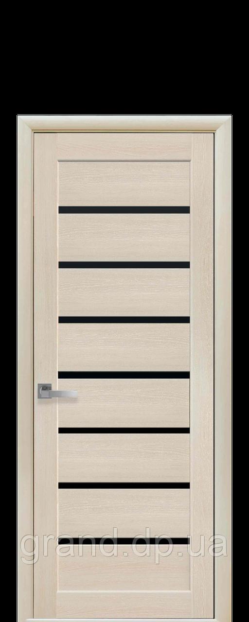 Межкомнатная дверь Леона Экошпон с черным стеклом, цвет дуб жемчужный