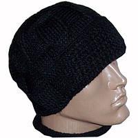 Мужская вязаная шапка с козырьком объемной ручной вязки