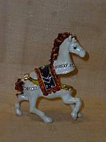 Шкатулка статуэтка лошадь дкоративная металлическая ювелирная 7 сантиметров высота
