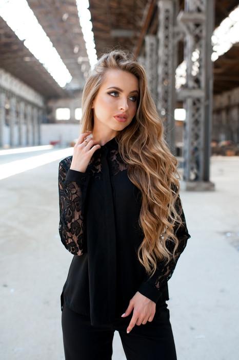 Блуза черная с кружевом Размеры 42,44,46,48