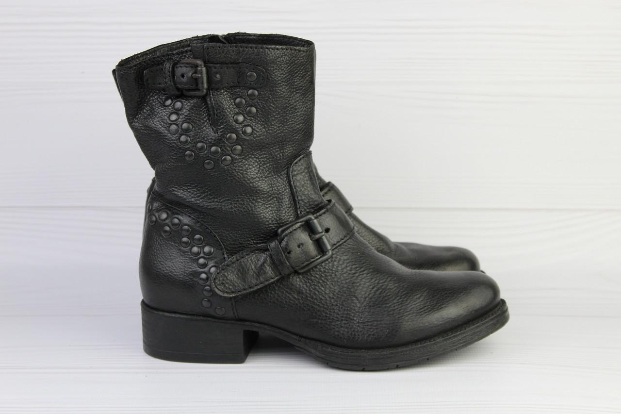 Женские кожаные ботинки Minelli