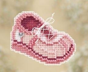 Набор для вышивки Mill Hill Pink Sneaker