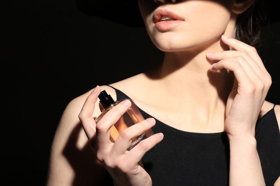 В ароматном облаке: как продлить звучание парфюма на своей коже