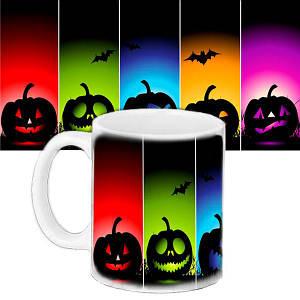 Чашка с принтом Halloween Цветные тыквы