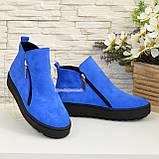 Ботинки женские замшевые демисезонные на утолщенной подошве, цвет электрик, фото 4