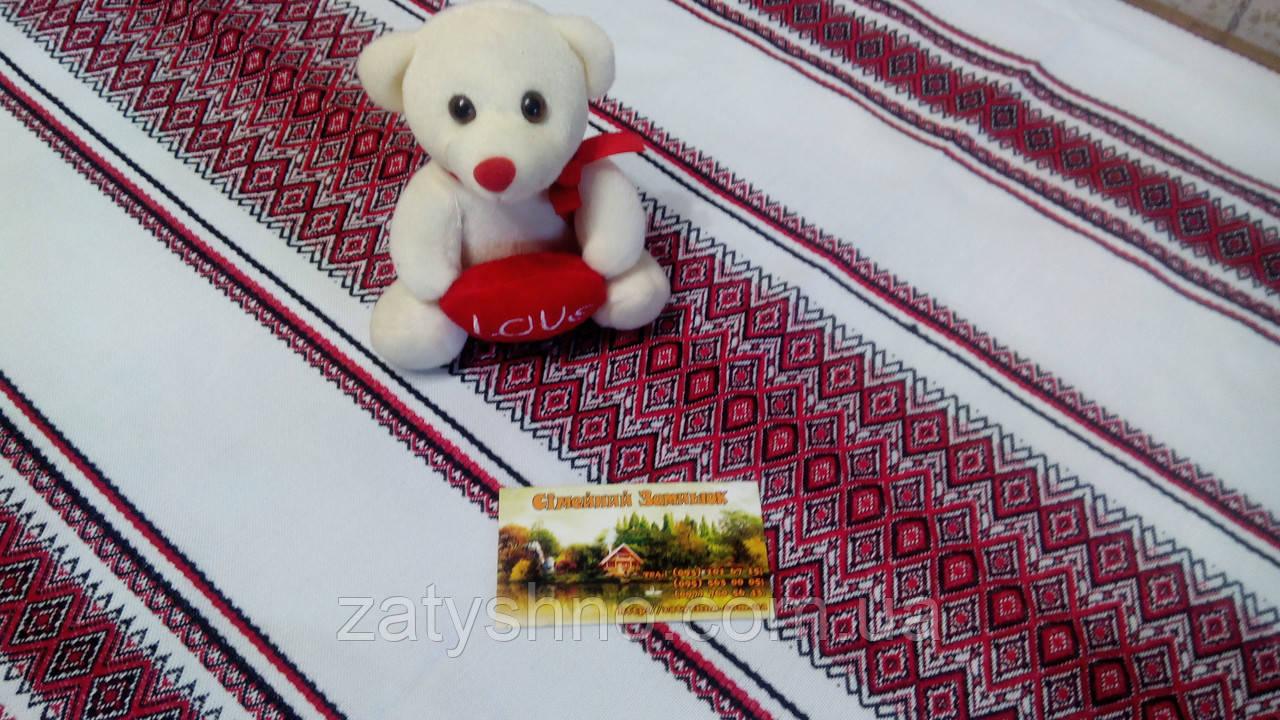 Скатерть красная в украинском стиле