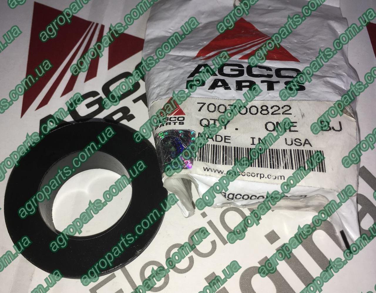 Втулка 700700822 прик колеса пласт Massey Ferguson BUSHING 700052369 AGCO