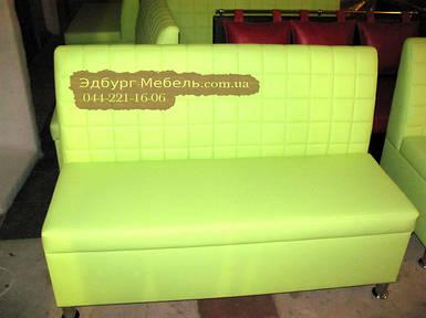Виготовлення зелених диванів Кубик для кафе під ключ
