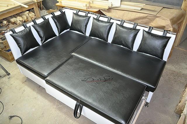 Спальный кухонный уголок ручной работы