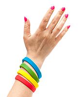 Силиконовые браслеты: виды, особенности и сферы применения