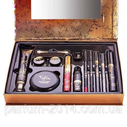 Подарунковий набір KYLIE Holiday Edition of fashion makeup set (11 в 1) (репліка)