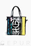 Черная сумка из искусственной кожи с яркими надписями, фото 2