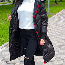 Куртка длинная чёрная на молнии и кнопках с капюшоном - Размер L  код - 221-01, фото 3