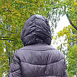 Куртка длинная чёрная на молнии и кнопках с капюшоном - Размер L  код - 221-01, фото 4