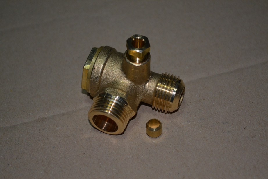 """Зворотний клапан зовнішня різьба 1/2""""x1/2"""" FINI 9048007"""
