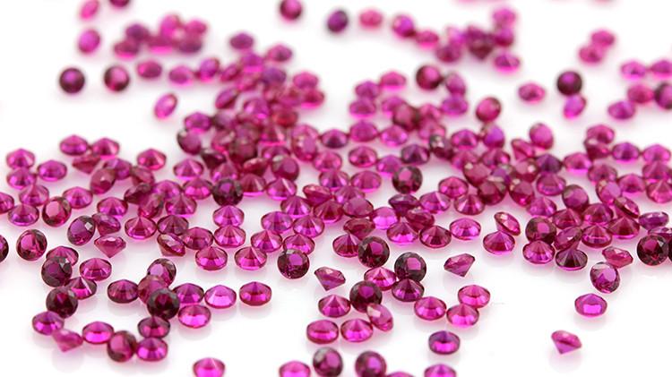 Кубический цирконий,качество 5А  2 мм Цвет рубина