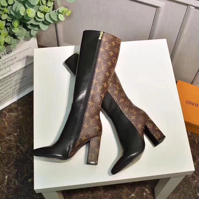 Женские кожаные комбинированные сапоги Louis Vuitton на каблуке ... 025ea0a642f