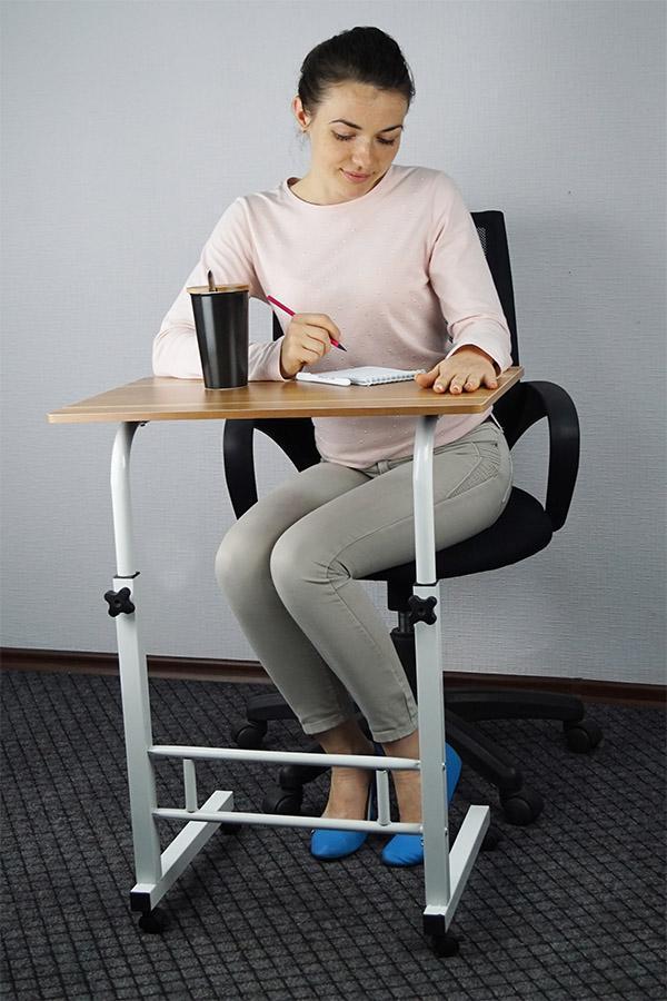 Портативный столик на колесиках с регулировкой высоты. Новинка!