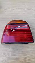 Задний фонарь Volkswagen Golf 3 Hella 0163264  ( L )