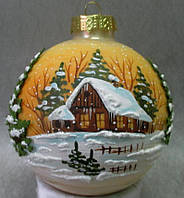 """Стеклянный новогодний шар 85 мм """"Домик возле леса"""""""