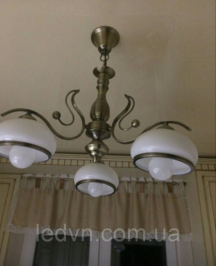 Класична підвісна люстра на 3 лампочки в бронзі