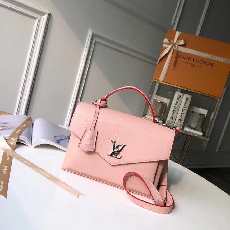 Жіноча сумка Луї Віттон